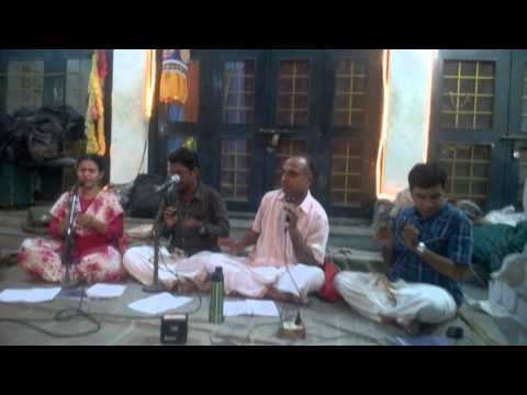 Tirupathi malai mel iruppavane - Mesmerizing musicians bhajans