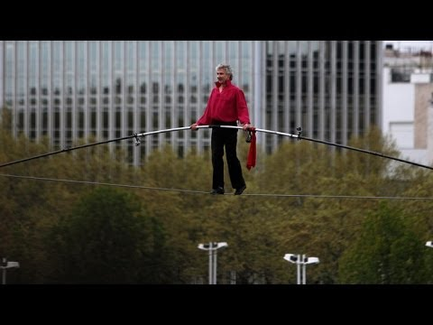 See How Nik Wallenda Fared in Attempt to Tightrope Walk Across ...