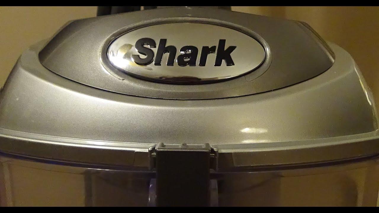 Shark Navigator LiftAway Deluxe Vacuum WOW Im Impressed