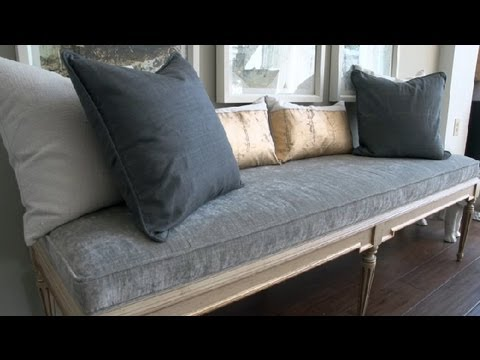 How To Decorate A Bench With Pillows