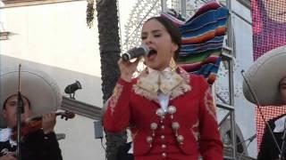 Jorge Salinas y Danna Garcia En La Presentacion De Que Bonito Amor En Plaza Mexico 2013.