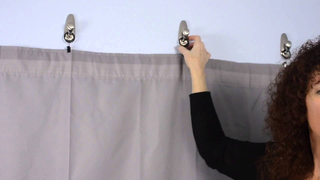 How To Decorate A Guy's Dorm Room Using 3M Hooks For Fabric Walls