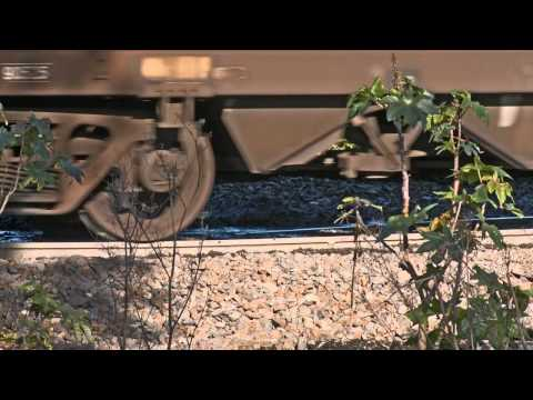 Coal train passes over broken rail part 2 - Trains and Railways in Australia - PoathTV