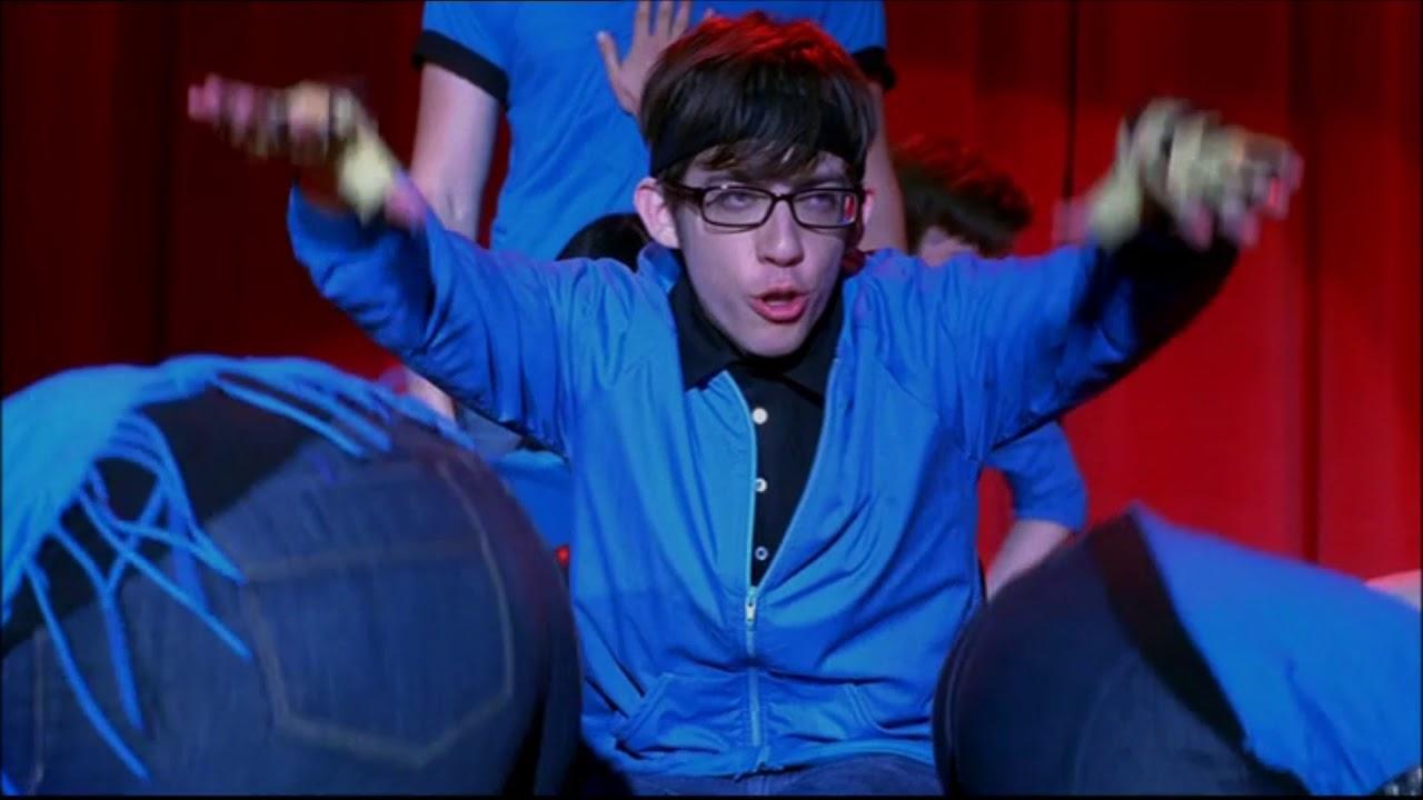 Glee - Push It (Full Performance + Scene) 1x02