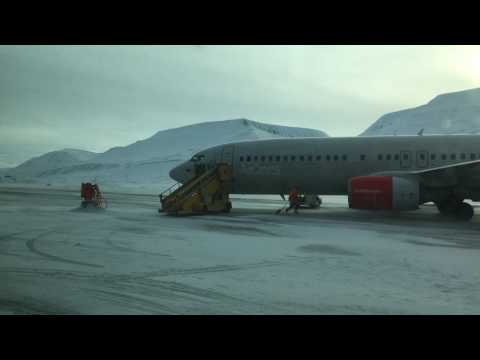 Aircraft taxiing @ LYR Longyearbyen Airport