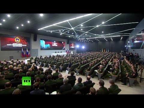 Путин общается с командующими войсками военных округов и Северным флотом