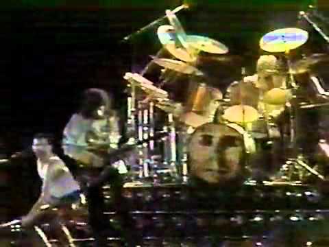 Queen - Tie Your Mother Down in Sao Paulo, Brazil 1981 mp3