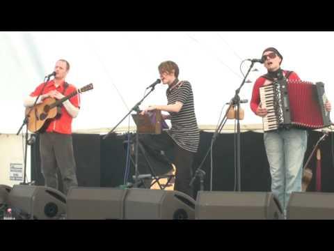 The Karine Polwart Trio:Beo