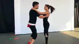 Marco y Sara (Imitadora-Romeo Santos)