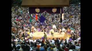 白鵬と日馬富士が14戦全勝とし賜杯争いを千秋楽直接対決で29年ぶりに日...