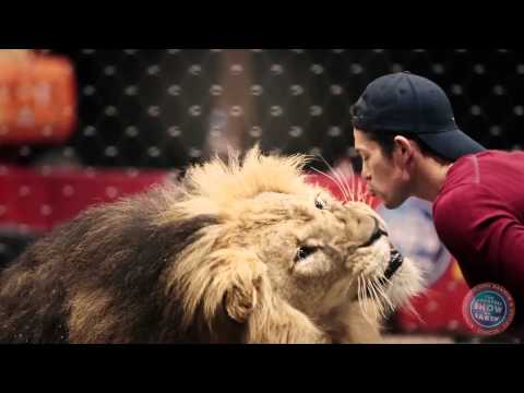 Ringling Bros. Presents LEGENDS - Alexander Lacey