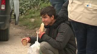 Calais : les migrants dénoncent des violences policières et demandent le soutien des élus