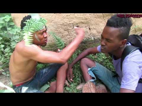 Download Angalia kilichomtokea mwanafunzi wa fom 4  alivyofeli na kwenda.kwa mganga