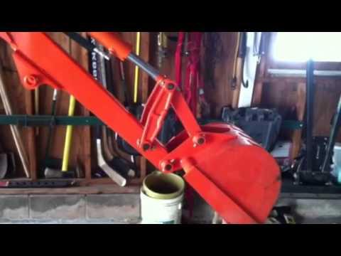 Kubota BH77 bucket sagging