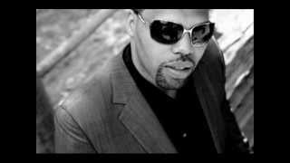 Watch Eric Roberson Obstacles video