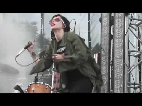Crystal Castles- Fainting spells live at Lollapalooza 2011