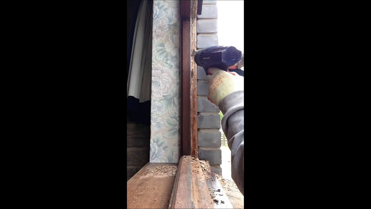 HOW TO! Remove old hard putty from frame - YouTube