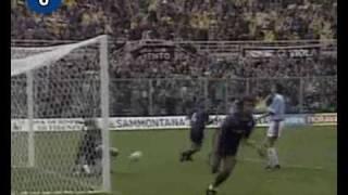 Italian Serie A Top Scorers: 1994-1995 Gabriel Batistuta (Fiorentina) 26 goals