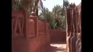 Tours-TV.com: Taghit(Built around the oasis, which is feed by artesian wells, Taghit, surrounded by sand dunes, attracts tourists with the Sahara, palm groves, ancient tombs. Algeria., 2014-12-25T11:29:39.000Z)
