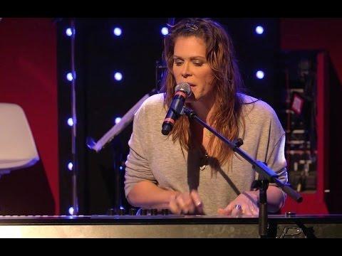 Beth Hart - Chocolate Jesus (Tom Waits) En Live - Le Grand Studio RTL