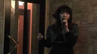 愛里がカラオケで「スプーンおばさん」OPの「夢色のスプーン」を歌ってみました。 飯島真理さんの曲ですね~。 当時、ベルの付いたそっく...