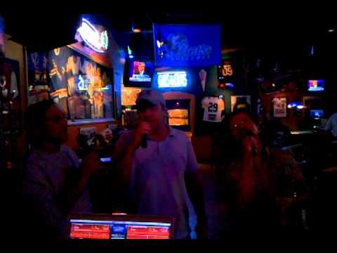 Des Moines Karaoke - Bostons Karaoke Night - Man Of Constant Sorrow