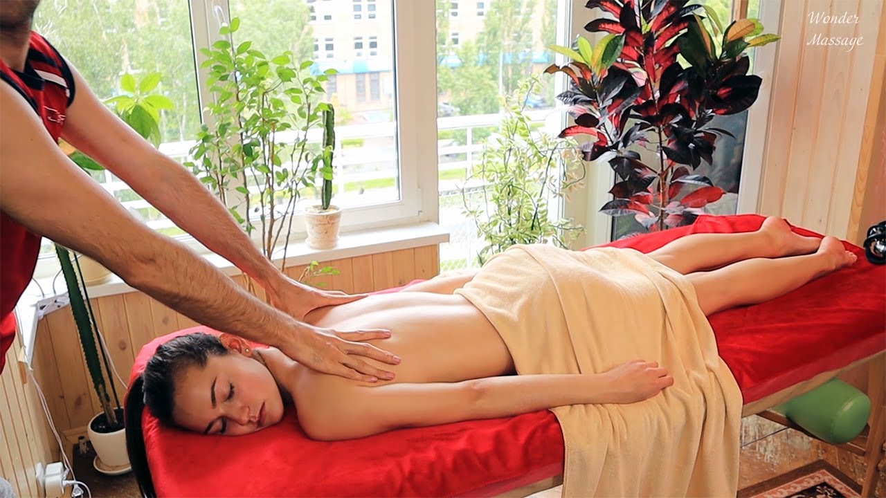 Deep massage with emphasis on the lower back and shoulder blades (only the sound of massage)