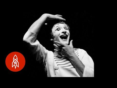 A Mime's Silent Resistance Against Nazi Forces