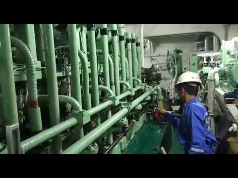 Kegiatan Praktek Laut Taruna Teknika SMK Pelayaran Semarang di atas Kapal