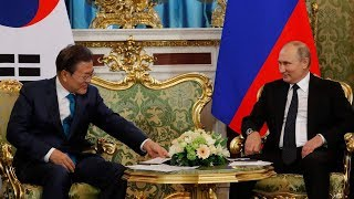 ROK's Moon met and signed deals with Russian President Putin