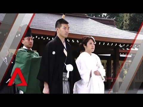 Why people aren't getting married in Japan
