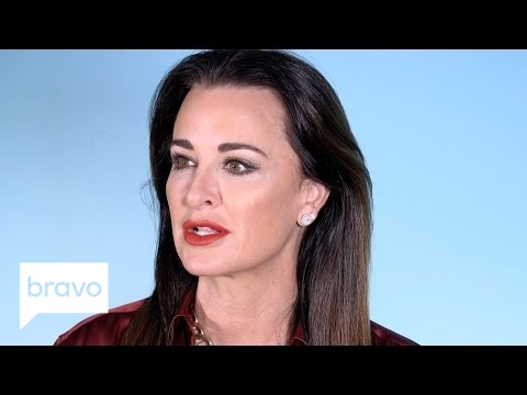 RHOBH: Kyle Richards Dishes on Her Friendship with Erika Girardi (Season 7) | Bravo