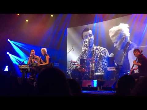 Cem Adrian 10. Yıl Konseri Pamela
