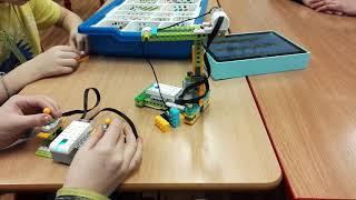 Robotika s Legem - dálkově ovládaný jeřáb - ZŠ Horoměřice