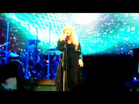 "Stevie Nicks - ""Dreams"" Live in Dallas, TX. 10/30/2016. American Airlines Center."