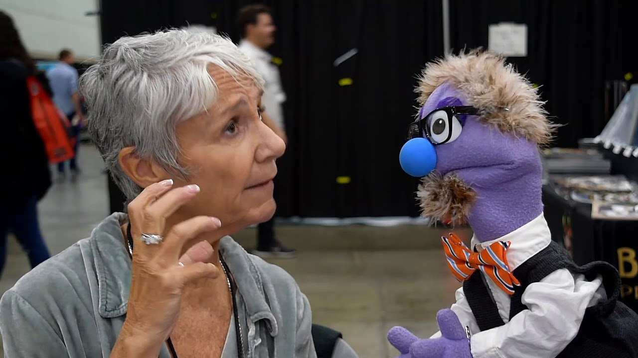 Download That Time Voice Director Andrea Romano Talked to a Puppet at Stan Lee's LA Comic Con