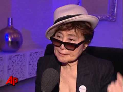 Tearful Yoko Ono Still Haunted by Lennon's Death