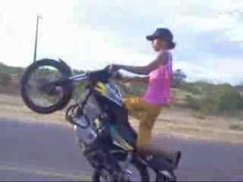 Impinando de moto