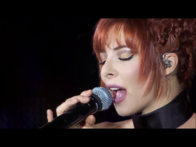 Mylene Farmer Point de suture