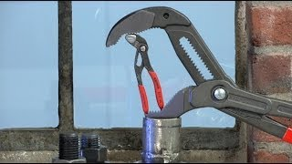 From the KNIPEX workshop: Water Pump Pliers(Alex Garami from the KNIPEX UK team explains KNIPEX range of Water Pump Pliers., 2013-11-15T11:38:40.000Z)