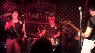 Flat Cat rocks Hollyfest 3