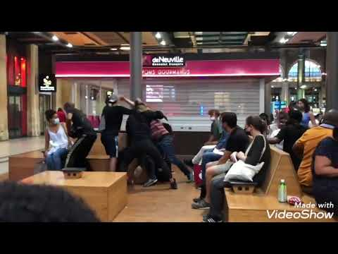 GROSSE BAGARRE GÉNÉRALE VIOLENT A LA GARE DE PARIS