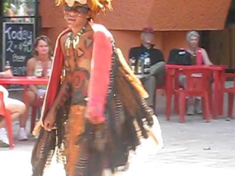THÁI SAN đóng vai maya tại Mêhicô
