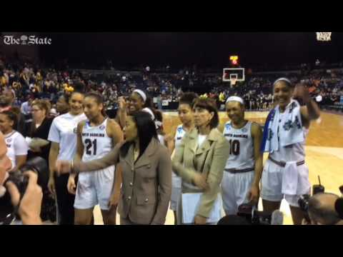 Gamecocks women sing the Alma Mater after advancing to the Elite Eight