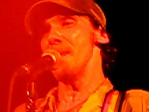 Manu chao - Si yo fuera maradona - Live @ Barcelona - YouTube