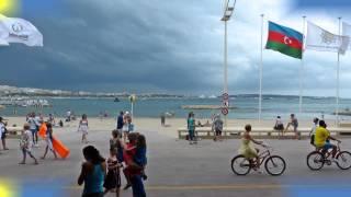 Kannban vihar előtt a tengerparton    1