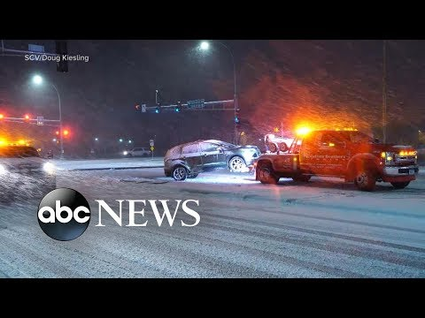 The Debrief: Dangerous weather impedes holiday travel & Thanksgiving dinner help | ABC News