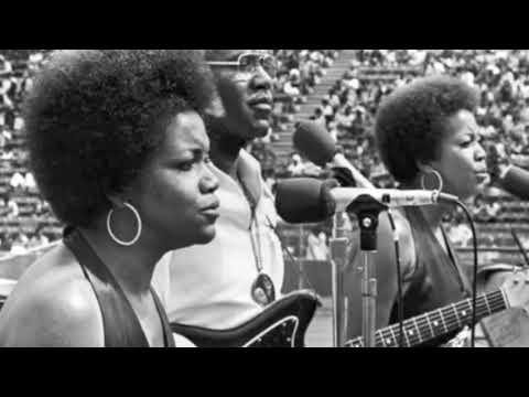 The Staple Singers - A Hard Rain's Gonna Fall (1968)