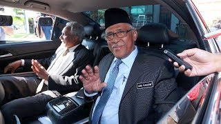Former MACC chief meets Dr Mahathir