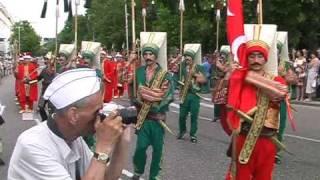 Парад оркестров в Севастополе(12-14 июня в Севастополе проходил Международный фестиваль военных оркестров Sevastopol Military Tattoo, посвященный..., 2010-06-16T13:41:17.000Z)